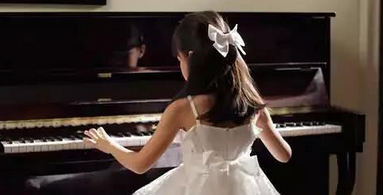 如何选购合适的钢琴呢?